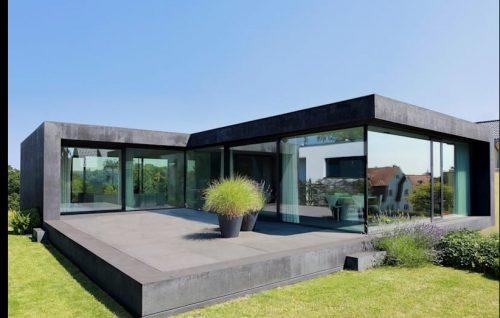 cristaleras fachada jardín