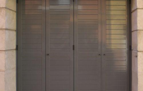 Puerta de garaje con pvc